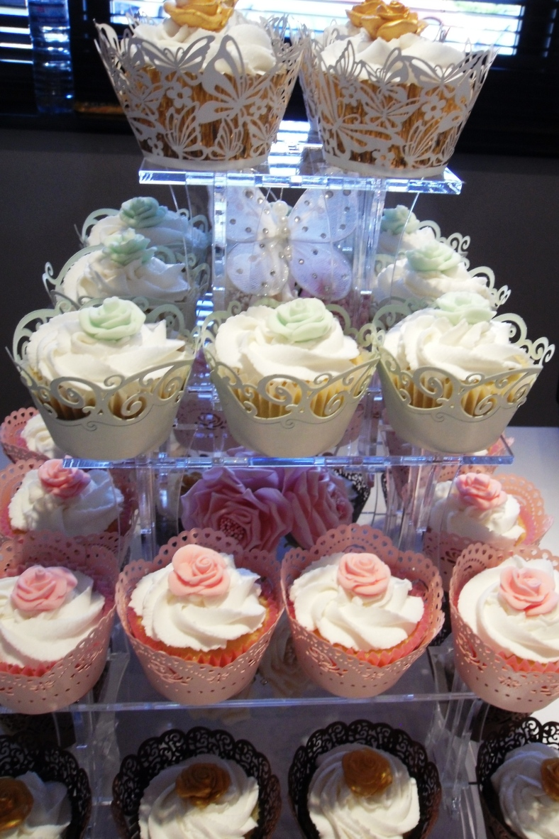 ASSORTED CUPCAKE TOWER - LIPPYLICIOUS!