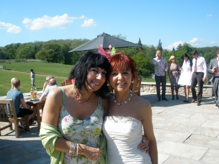 Louise's glorious wedding on one of the hottest days of 2010 x