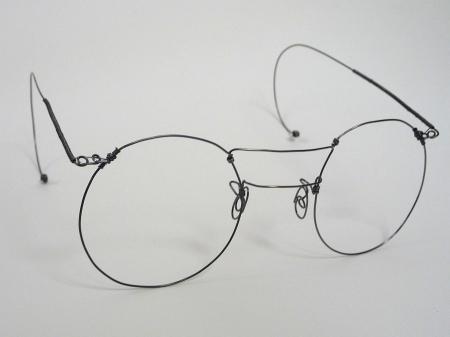 Wire spectacles