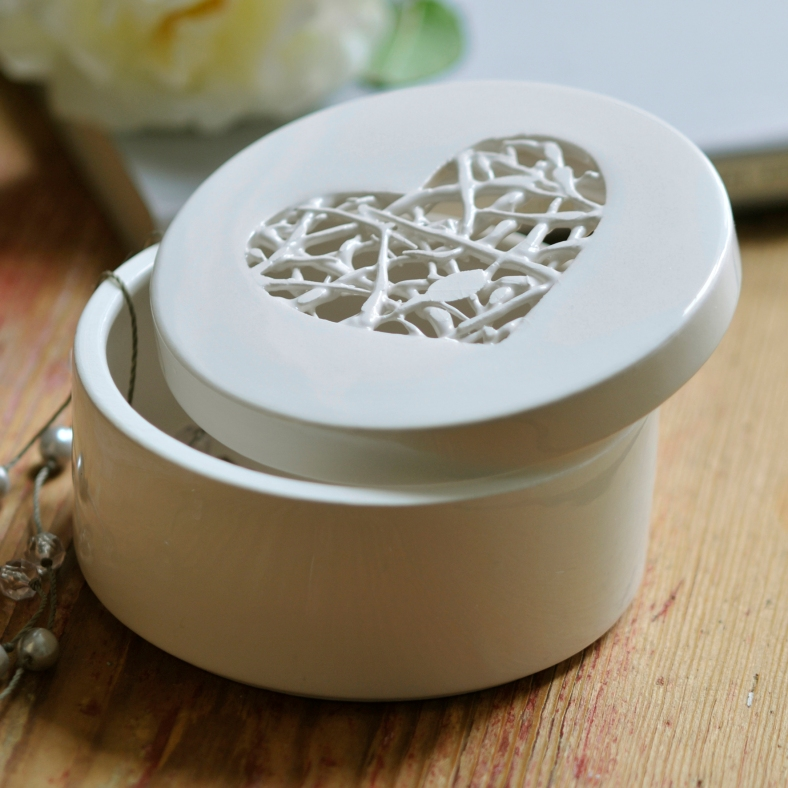 Tangled Heart Container