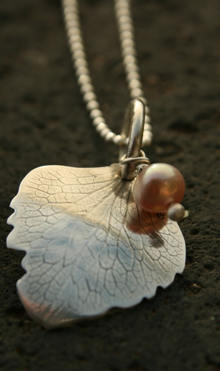 Silver textured leaf necklace with fresh water pearl