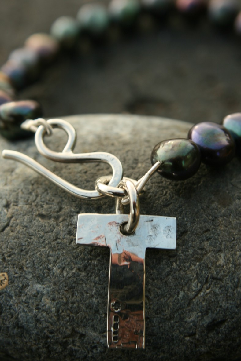 Personalised silver bracelet on fresh water pearls