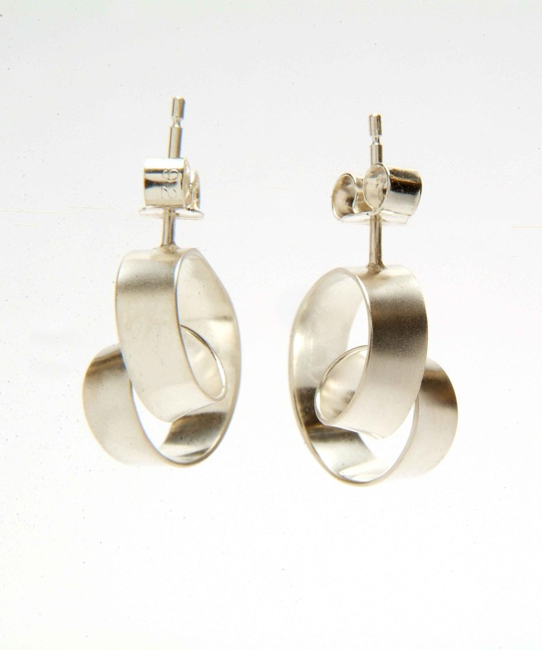 Ribbon Loop Earrings