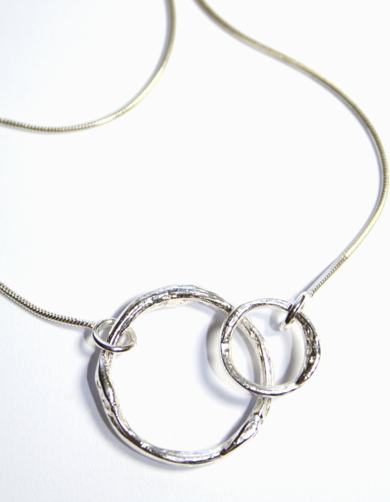Cast willow circle necklace