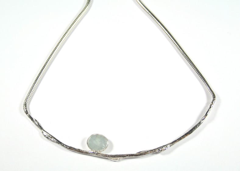 Cast willow curve necklace with aquamarine