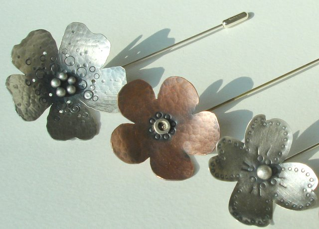 Flower lapel pins, Silver and Copper