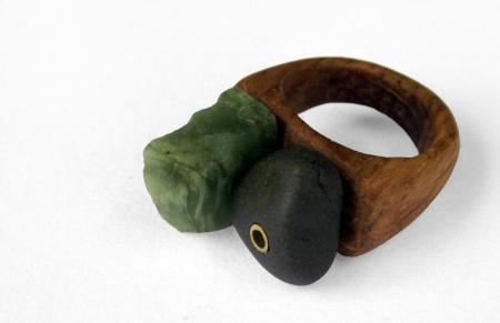 Green stone and pebble ring - Aiden Spencer