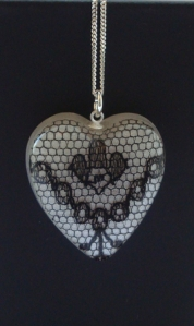 Heart lace pendant