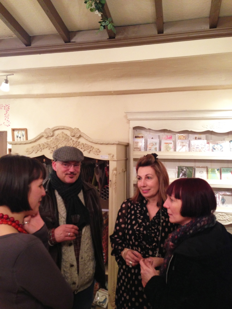 Anna and Alan chatting to Kate about the Antique Printers Tray they'd just treated themselves to along with another print too!)
