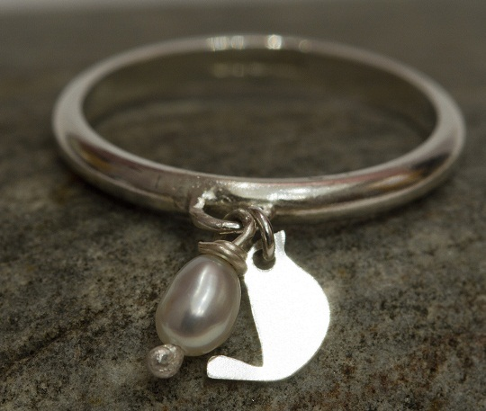 Bird and pearl ring
