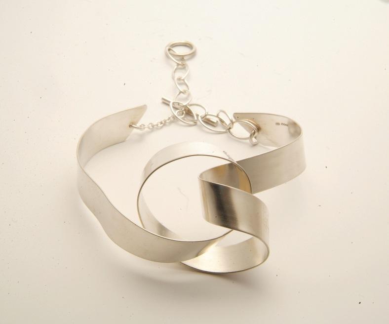 Large silver Ribbon Knot bangle