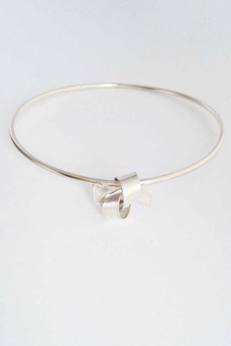 Ribbon Knot Silver Bangle