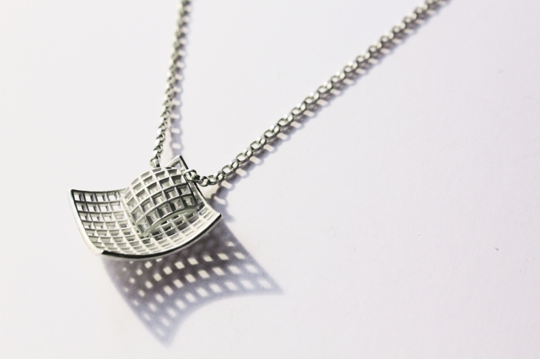 Silver Crisscross necklace