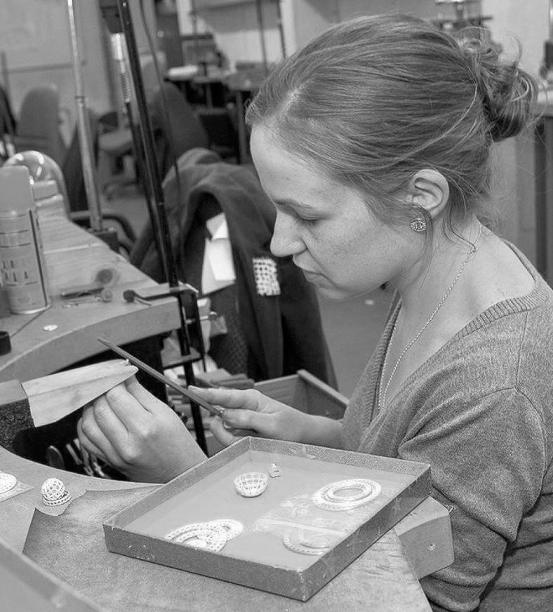 Christine Davies - Jeweller