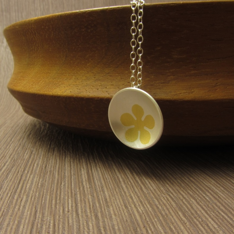 Simple Treasures - Flora necklace