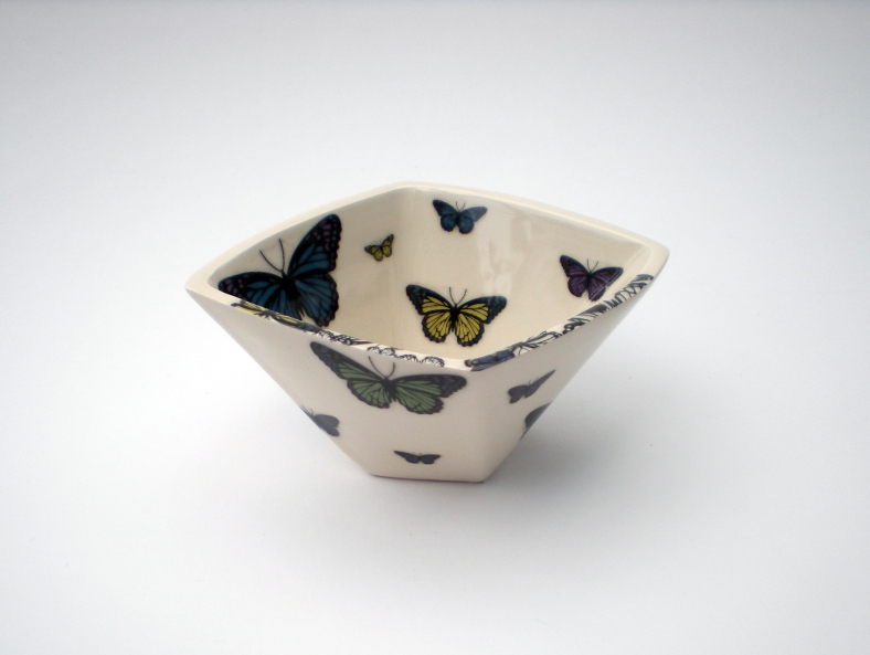Small butterfly pot