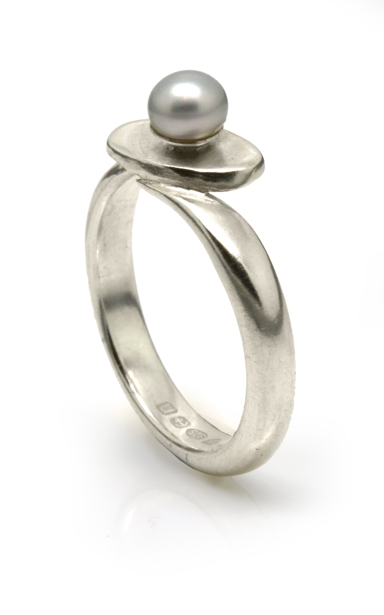 Silver with Dove Grey Pearl Petal ring