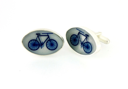 Beautiful cufflinks with bicycle