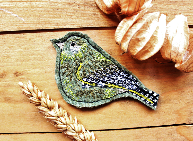 Greenfinch brooch