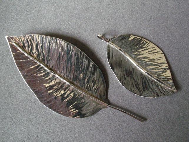 Apple leaves