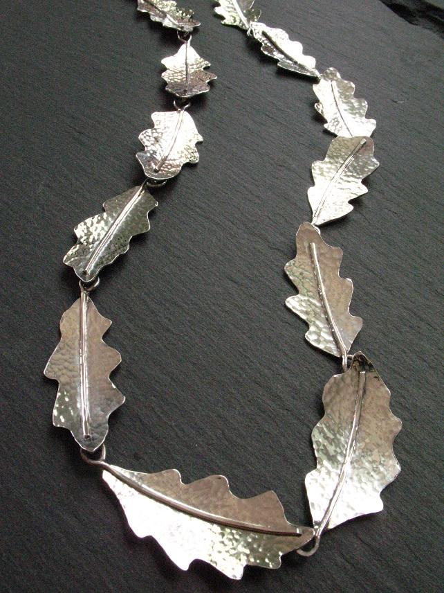 Oak necklace