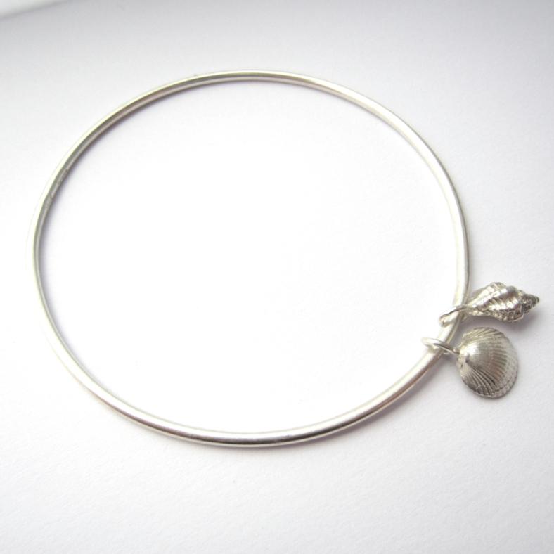 Silver shell bangle
