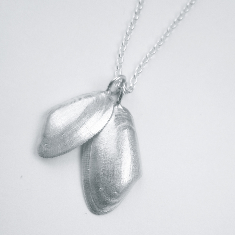 Exhibition Shell Necklace : Exhibitions heart gallery page