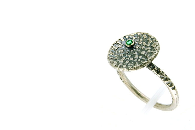 Emerald set oxidised silver disc ring