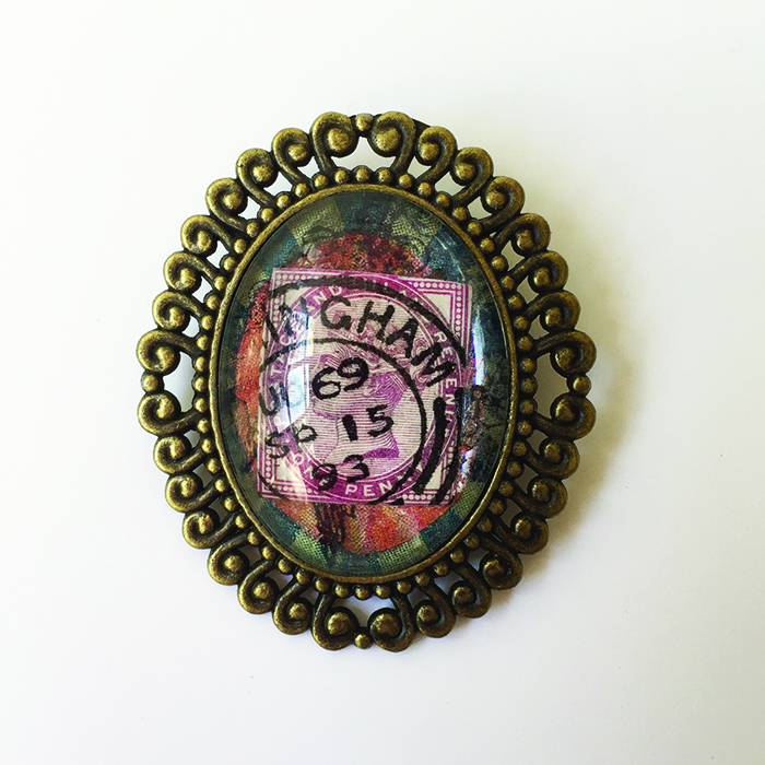 oval stamp brooch 0716 low res