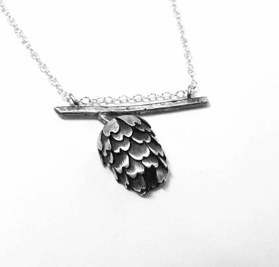 e-terzza-pinecone-necklace